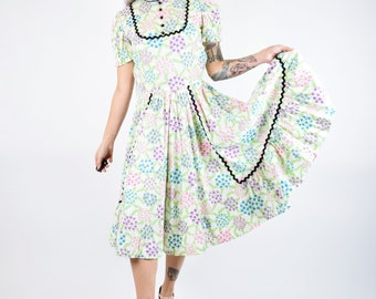 VTG  1950s 1960S Pastel Floral Victorian Full Skirt Kawaii Bib Midi Prarie Dress