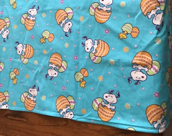 Peanuts Snoopy blue easter egg  Easter table runner