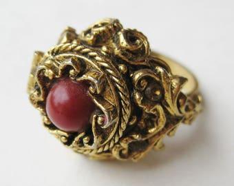 Vintage 50s ART Signed Gold Filigree Jeweled Rhinestone Poison Ring Costume Jewelry
