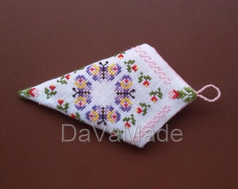 Butterfly and flowers scissors case. Cross-stitch pattern.