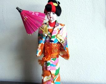 Vintage seltene japanische Puppe mit drei Perücken und Accessoires - im ursprünglichen Kasten - Katsuraningyo - Kimonos Sonnenschirm Schuhe Lüfter-