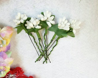 5 Beautiful White Mini Stamen Flower Bouquet Hair Pin.