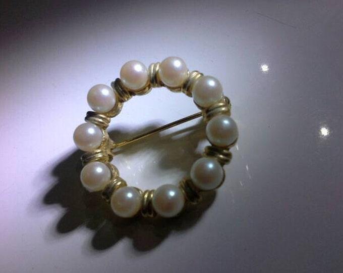 Vintage Pearl Gold Tone Garland Hat Scarf Brooch