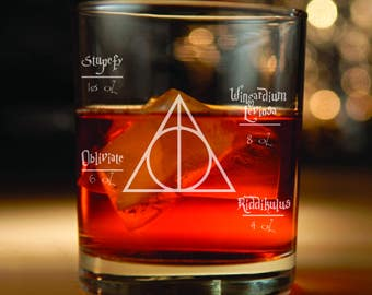 Harry Potter inspired Rocks Glass (Harry Potter, Deathly Hollows, Harry Potter Gifts, Harry Potter spells, Hogwarts)