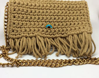 Clutch in beige, crochet