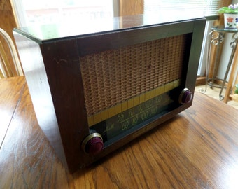 Vintage G.E. Tube Radio - General Electric Tube Radio -  Vintage Tube Radio - G.E. Model 410 Vintage Tube Radio