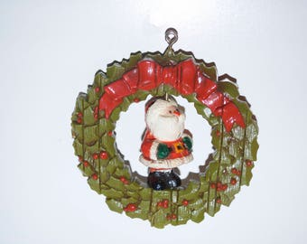 Hallmark Twirl Abouts Santa and Wreath 1976 Tree Trimmer Collection