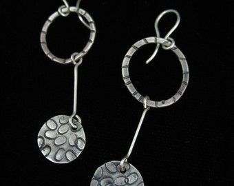 Textured loop and disc dangles
