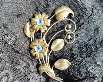 Brilliant Vintage Blue Rhinestone Flower Brooch Pin - Goes With Anything