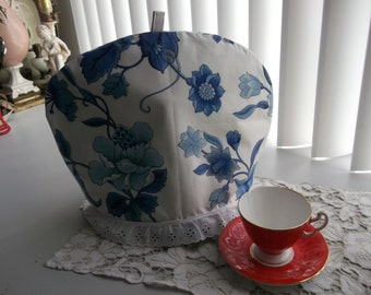 French Blue on White Tea Pot Cosy with Liner