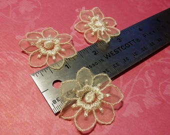 Embroidered Sweet heart Flower - Organza - 5 Flowers