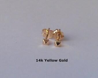 Teeny Spike Studs - Recycled 14k Gold - 18k Gold - Pyramid Earrings - Minimalist Earrings - Cartilage Earring - Geometric Studs - Spike Stud