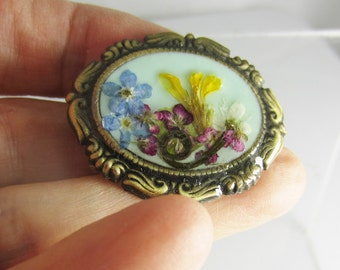 Quiet Sunshine  Brooch,Pressed Flower Brooch and  Pendant, Real Flowers, Resin (1637)