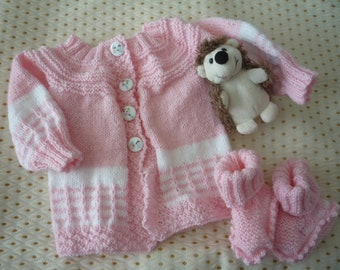 Vest with pink and white slippers set