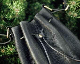 Black pebble leather bucket bag / shoulder bag/ handmade leather goods