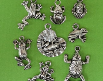 8 Assorted Frog/Toad Charms ITEM:AJ11