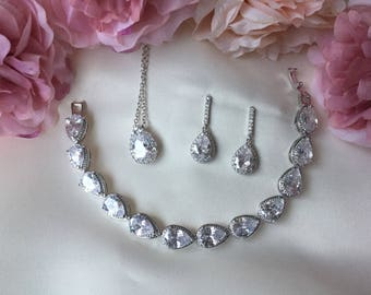 Bridal jewellery, bridal accessories, wedding accessories, jewellery set, bridal jewelery set, bridesmaid gift, personalised gift
