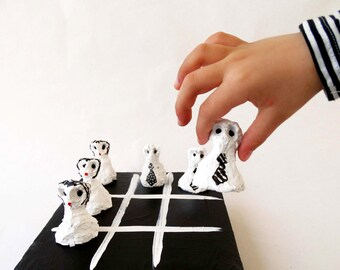 papier mache tic tac toe,free shipping,funny creatures,black and white,ladies and gens,play,kids,gift,different decoration,tic tac toe,art.