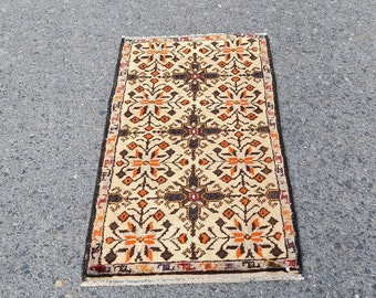 Oushak Rug for Small space,Turkish Rug,Vintage Rug,Oushak Door mat,Turkish kilim rug,Anataolian handwoven small rug Ref.1002