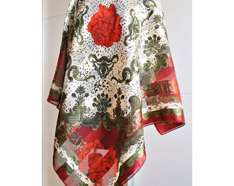 Vintage Big Sawl Red Roses / Oversized Scarf - BAROQUE Scarf / Crests / Red Green