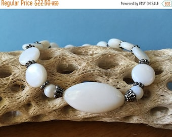 Mothers Day Sale Shell Jewelry, Mother of Pearl Bracelet, MOP, Shell Bracelet, Boho Bracelet, Stretch Bracelet, Beach Bracelet, Ocean Jewelr