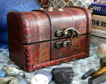 Small Wooden Chest (Keepsake Box)