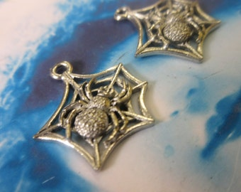 Antique Silver Plated Cast Pewter Spider in a Web Charms 90SIL x2