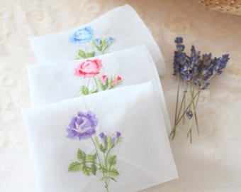 DRIED LAVENDER, Vintage Handkerchief, Dried Lavender Sachets, Set of 3, Bachelorette or Baby Shower Favors, Gifts for Her, Rustic Wedding