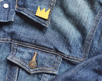 CROWN Basquiat Enamel Pin - Lapel Pin - Gold
