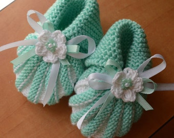 Mint Baby Booties,Crochet baby booties,Crochet Baby Boots,White baby boots,Crocheted booties,Baby gift,Photo prop,Newborn booties,Christmas