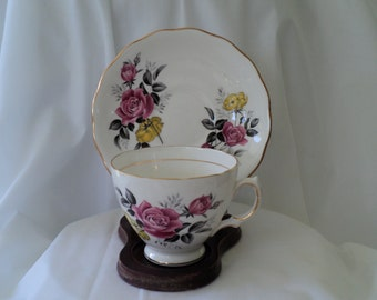 Vintage Tea Cup Royal Vale Pink and Yellow Rose Teacup/teacup