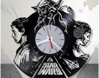 Star Wars vinyl clock/Master Yoda wall record clock *V0042 /Princess Leia and Luke Skywalker modern clock/Handmade clock/Lp clock