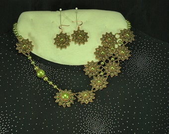 OOAK Beaded Green and Copper Flower Necklace Set