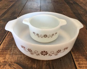 Adorable set of Dynaware PYR-O-REY Vintage Dishes/Vintage Kitchen Set of White Dynaware Dishes One Large and One Small/Brown Daisy Pattern