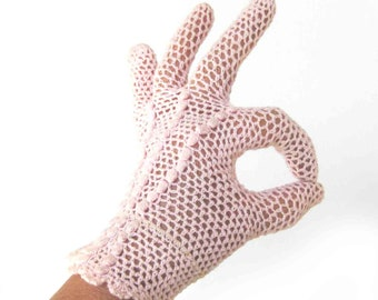 Vintage Sheer LACE Knit Evening GLOVES in Pale PINK / Short Gloves / Peignoir / Bride to Be Gift / Rockabilly Pin Up Style /  Size 6.5