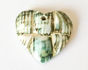 Inlaid shell pendant, mosaic pendant, green turban shell pendant heart 40 mm