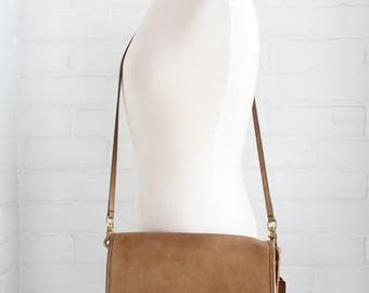 Vintage Coach Leatherware Leather Bag / Tan Crossbody Flap Purse / Brown Brass Hardware Handbag / USA Made Saddle Bag / Worn Coach Clutch