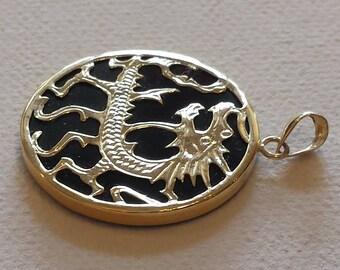 14 k gold onyx pendant