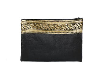 Black Medium Purse