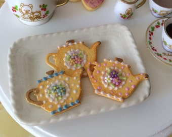Three iced teapot cookies  in Playscale for Blythe-SET B -