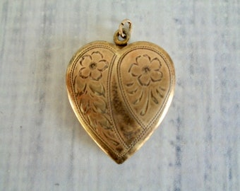 Vintage Heart Locket, 14K Gold Filled Heart Shaped Locket Necklace, Lovely Vintage Heart Pendant, Room For Two Photos, Vintage Jewelry