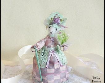 Soft Doll, Textile Art, Felt Mouse, Felt Mice, Faux Taxidermy, Sculpture Doll, Mouse Doll, Felted Animal, Romantic, Flower Bouquet, Wedding