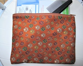 Pouch Toiletry bag Toiletry organizer for dogs with Colored Dog Paws