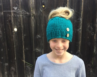 Messy Bun Hat, Hat For Bun, Messy Bun Beanie, Ponytail Hat, Hat With Bun Hole, Hats For Runner, Pony Tail Hat, Knit Hat, Hat With Buttons