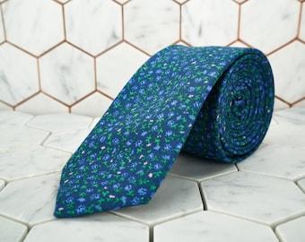 Lilac Purple Floral Necktie. Winter wedding neck ties. Mens ditsy purple flower skinny ties.  Wedding slim ties. Dear Martian, Accessories.