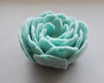 Felted flowers, Felt Flower Brooch, Mint Green flower, Felt Ranunculus, Flower Brooch, Felt Ranunculus, Floral jewelry, Natural jewelry