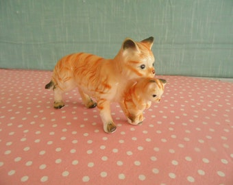 Vintage  Cat Figurine  - Bone China - Made In Taiwan