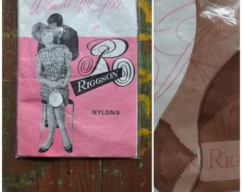 Vintage stockings, 1960's nylons, Unworn / 'new' in original packet, Ladies Hosiery, flesh tone hose, Size 8.5, Wonderful you in Riggson
