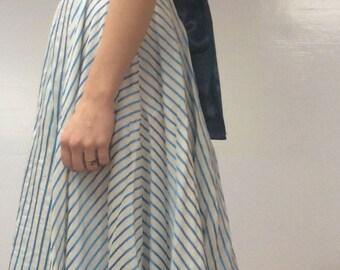 Stylish Striped Silk White Blue Vintage Midi Dress Seventies Eighties 70s 80s xs/s (EUR 34/36, US 2/4, UK 6/8)