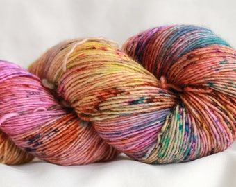 STACYS HEART -Speckle dyed Super wash merino single ply 100 grams (400 yds) #2 free shipping